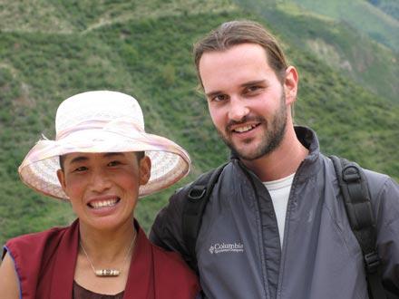 Fredy with a Tibetan nun at Hadhi Gompa