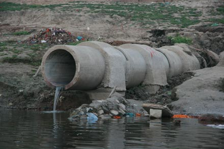 Sewage Going into Ganges