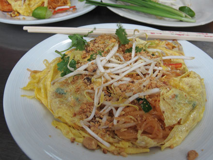 pad thai omelette pad thai omelette pad thai wrapped with omelette pad ...