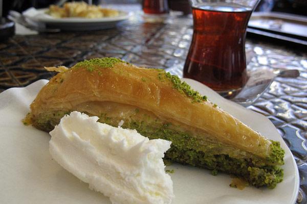 Baklava with kaymak at Karaköy Güllüoğlu