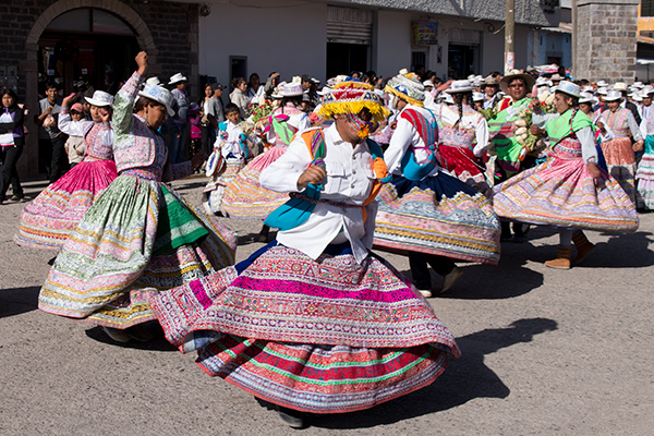 Locals dancing the Wititi