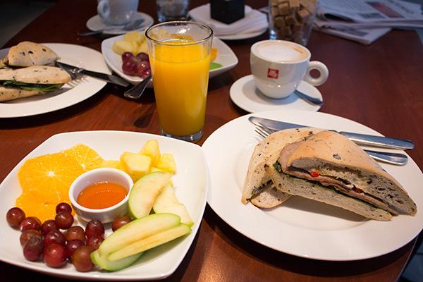 Ismael 312 breakfast