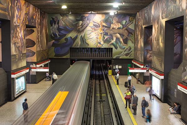 Santiago metro with murals