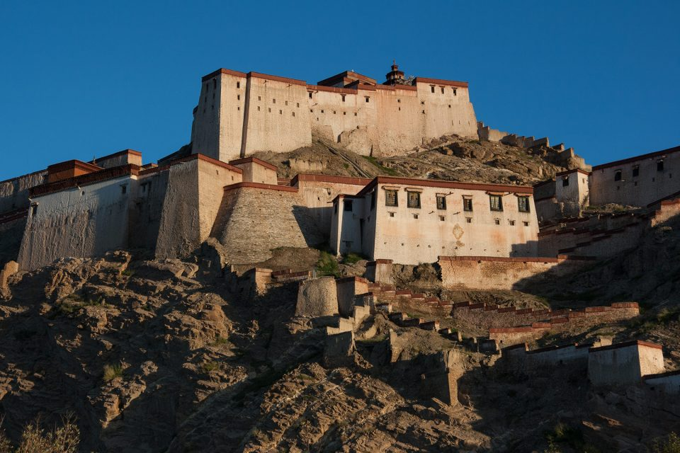 The Gyantse Zong at sunrise