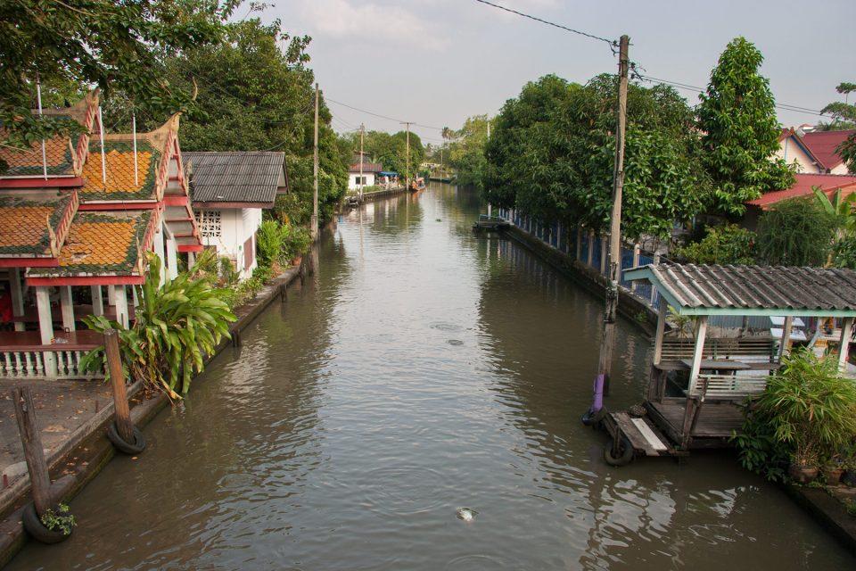 Bangkok khlong near Taling Chan