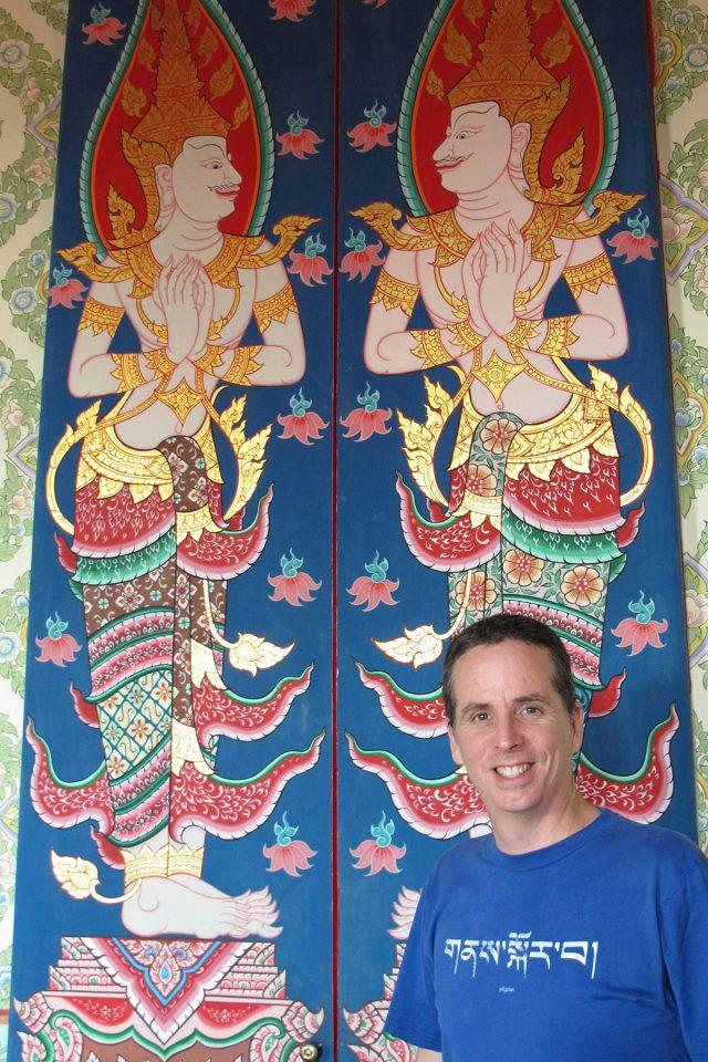 Tony at temple during Taling Chan khlong tour