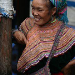 Flower Hmong, Can Cau Market