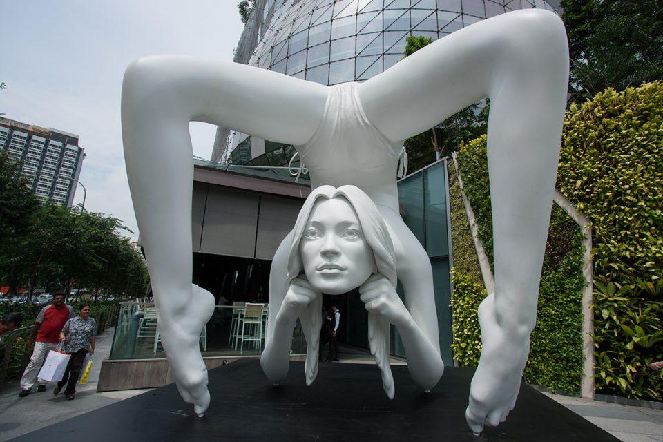 Crazy Statue in Singapore