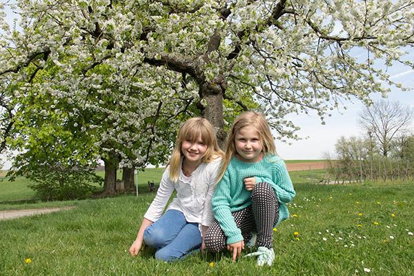 Jasmin (niece) and Ciara (grandniece)