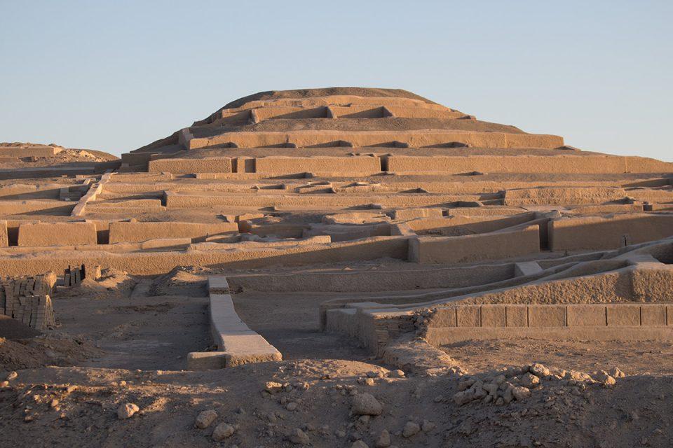 Extraordinary Nazca Lines: Cahuachi pyramid