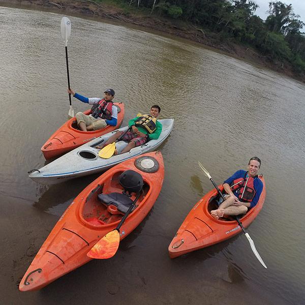 Posada Amazonas kayaking