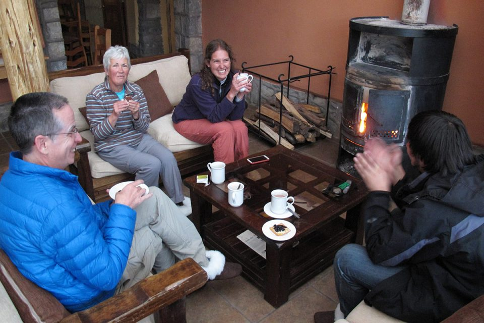 Ausangate trek: Hanging out by the fireplace in Chillca Tambo