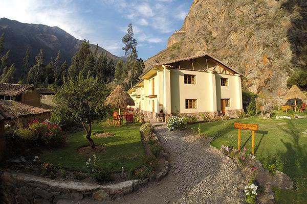 Beautiful gardens of Apu Lodge