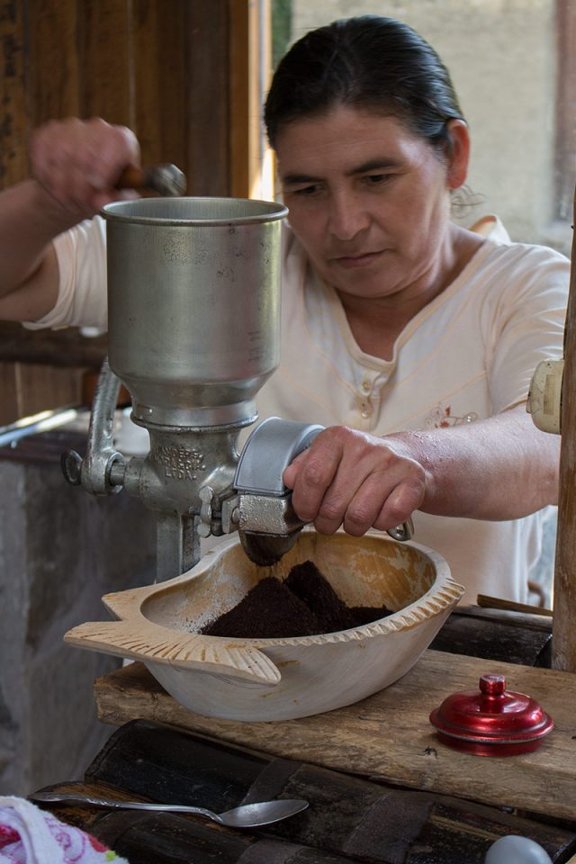 Salkantay trek to Machu Picchu: Sampling freshly roasted organic coffee