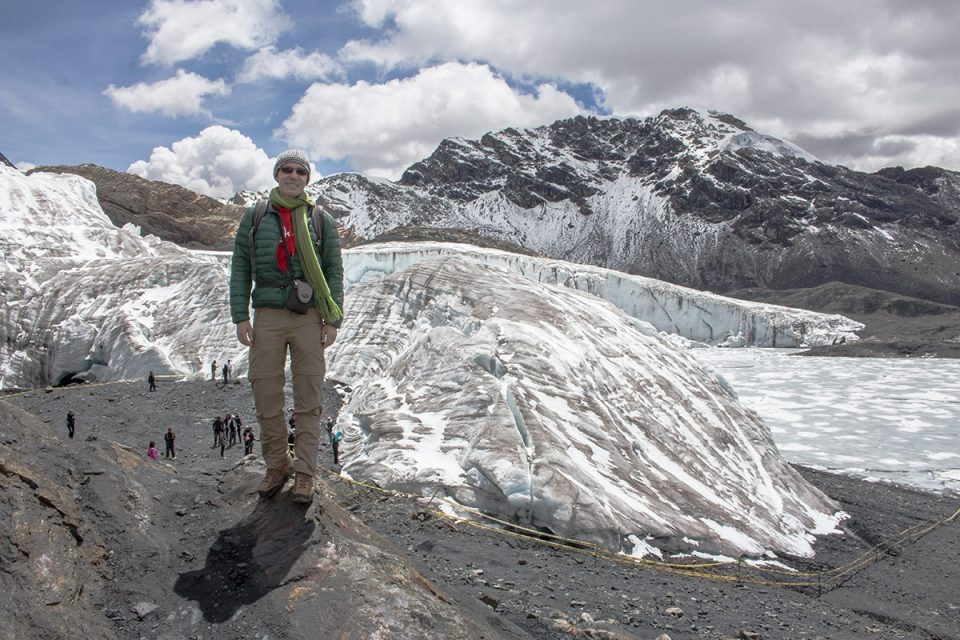 Thomas backed by the Pastoruri Glacier