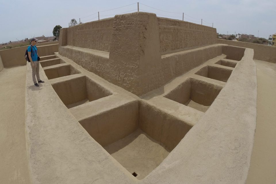 Thomas explores the second story of Huaca Iris