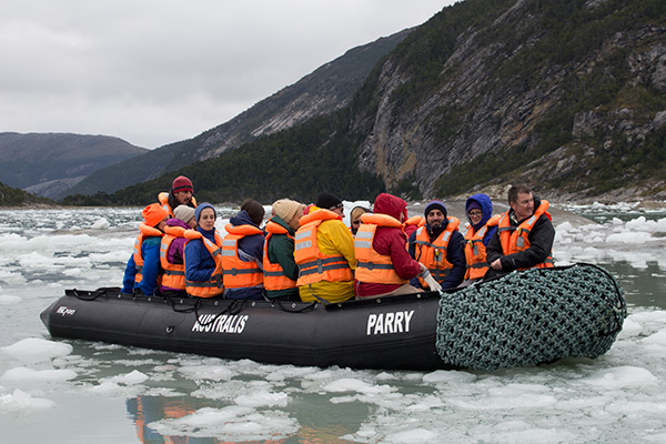 Zodiac excursion to the Pia Glacier