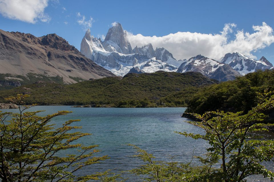 Hiking in Los Glaciares National Park North: Laguna Capri back by Mt. Fitz Roy