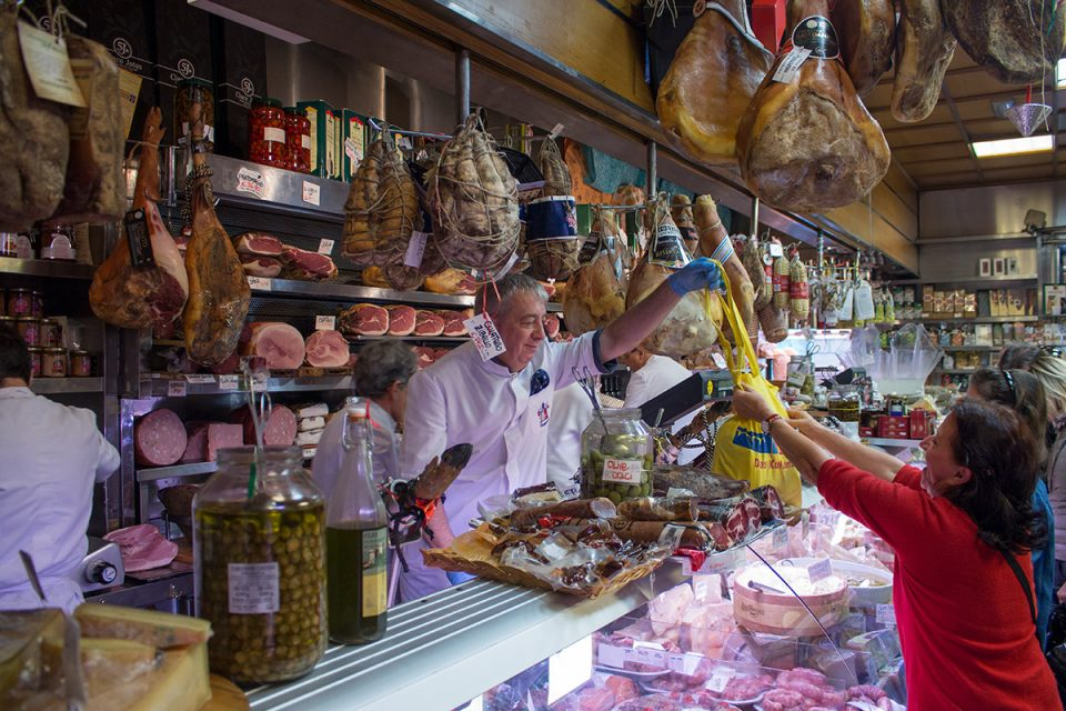 Things to do in Rome: Roman delicatessen in Testaccio