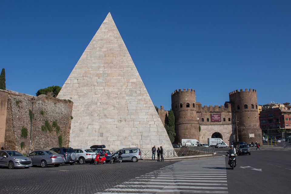 Rome off the beaten path: The Pyramid of Cestius