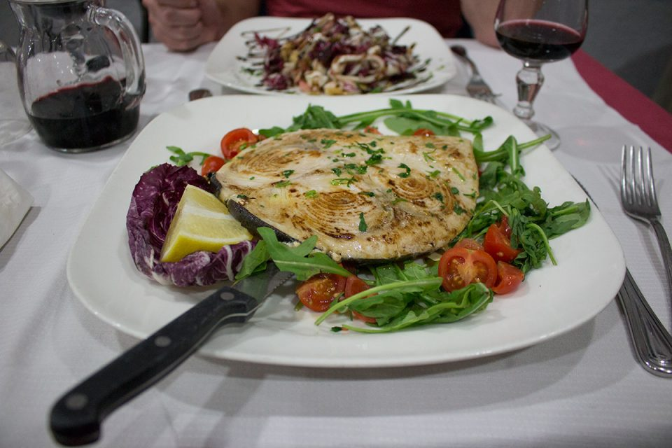 Roman food guide: Enjoying a meal at Roman trattoria