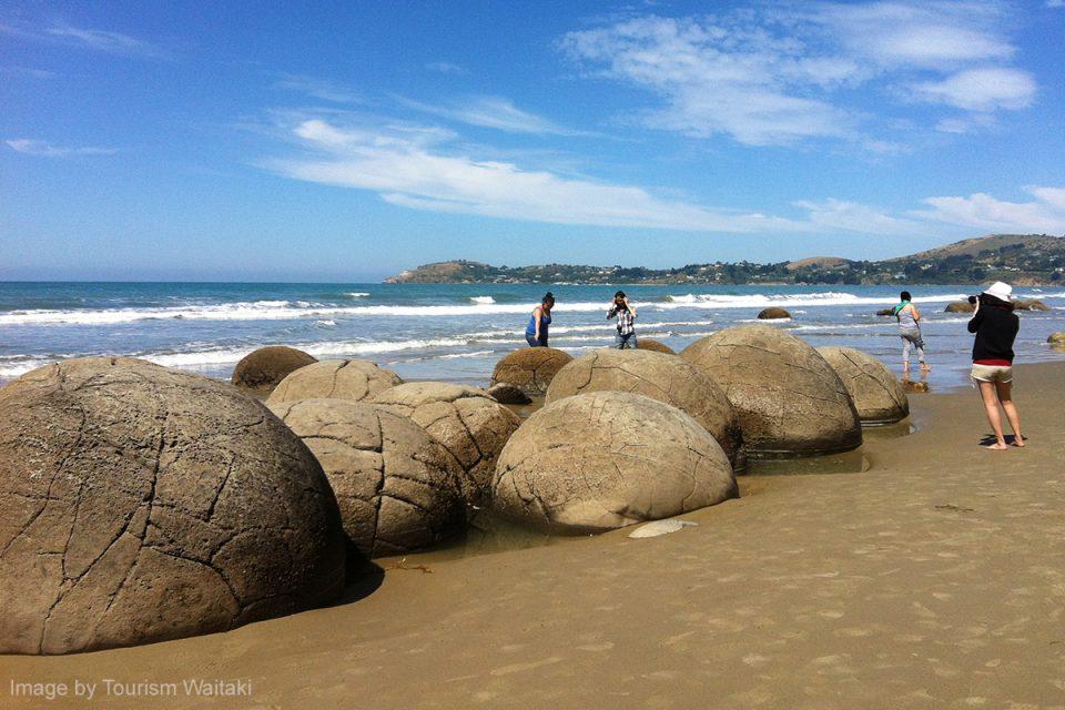 Things to Do in New Zealand: Moeraki Boulders at Koekohe Beach