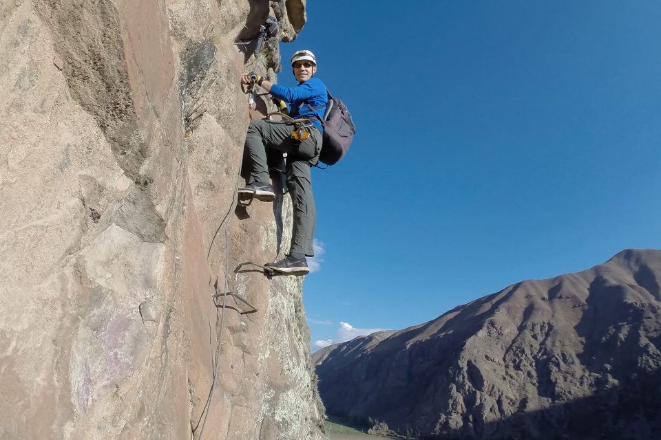 Thomas climbing to the Skylodge in Peru