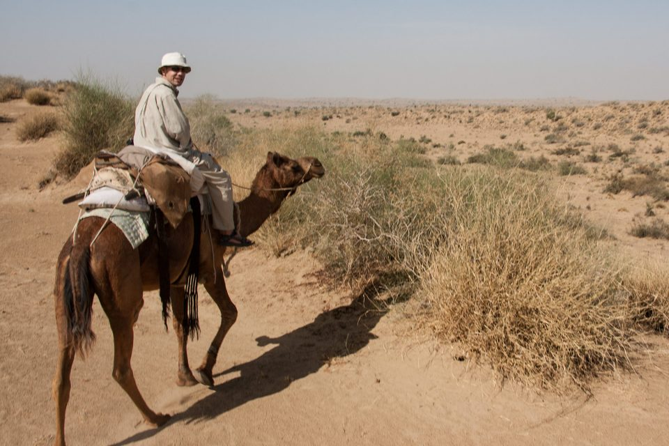 Thomas exploring the Thar Desert (Rajasthan, India)